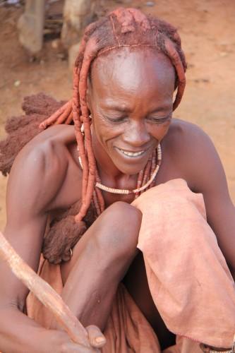 namibie,voyage en namibie,himba,otjiheke,photos enfants himba,photos femmes himba,portraits de himba,frédéric lopez,rendez-vous en terre inconnue, ocre, ocre rouge
