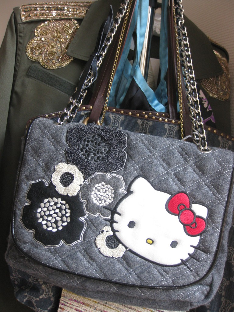 b8f86bdb96 Bon plan Hello Kitty by Victoria Casal Couture chez Espace Catherine ...