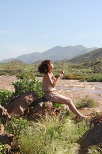 namibie, voyage en namibie, road trip en namibie, sunday rose, combishort à fleurs, combishort à fleurs Paul Sunday Rose, petit bateau, american apparel, angola, kunene river, okahirongo river camp, eres, bikini eres
