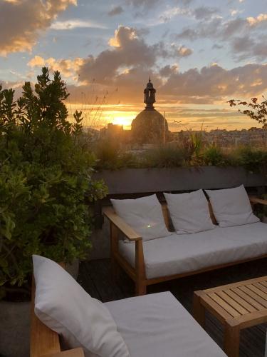 bonnes adresses paris,bonnes adresses terrasses paris,mabrouk restaurant,hôtel renaissance république