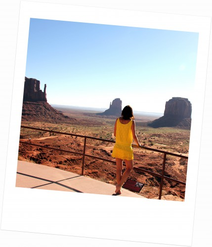 ba&sh,robe delphine ba&sh,robe dentelle jaune ba&sh,blog mode,monument valley,blog voyage,the view,the view hotel,the view hotel monument valley,monument valley trading post medicine wheels,medicine wheels,navajo medicine wheel