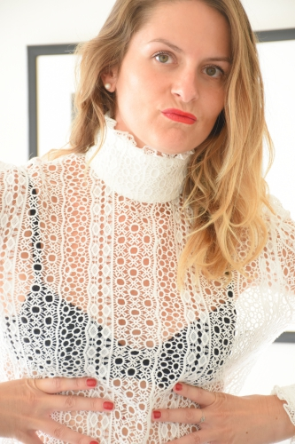 blog mode,roseanna,top guipure galvin roseanna,vernis rouge puissant chanel,clarins