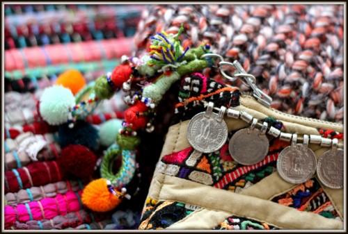 cochine, bougie cochine, antik batik, christine ferber, à la mère de famille, tapis kilim, fleux, noël, samadara, jf lazartigue,