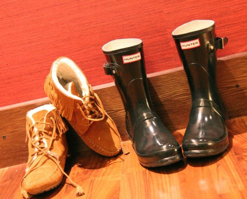helsinki,finland,finlande,minnetonka shearling-lined lace-up boots,new york,shopping,minnetonka,garance dor,j crew,travel,bon plan mode,minnetonka by j crew,hunter wellies original gloss short,hunter,hunter wellies,london,shopping  londres,liberty london,rain shoes,bottes en caoutchouc styles,j brand