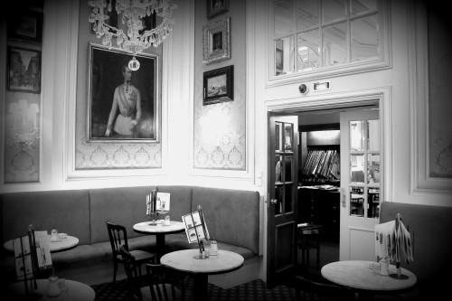 : vienne,voyage,blog voyage,cafe sacher,sacher torte,adresses gourmandes à vienne,voyage à vienne,mraz & sohn wien,cafe mozart wien,grand hotel wien,café sacher wien,zum weisser rauchfangkehrer wien,Österreicher im mak  wien,apfelstrudel,schloß schönbrunn wien,stephansdom wien,st. stephen's cathedral vienna
