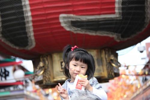 omikuji drawer sensō-ji temple tokyo japan,october 2011 (black and voyage au japon,trip to japan,tokyo,japon,shinjuku,asakusa,ueno,ginza,meiju jingu